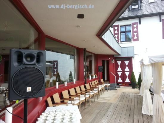 Malteser Komturei Bergisch Gladbach Herrenstrunden DJ Hochzeit Discjockey Mobildisco 3
